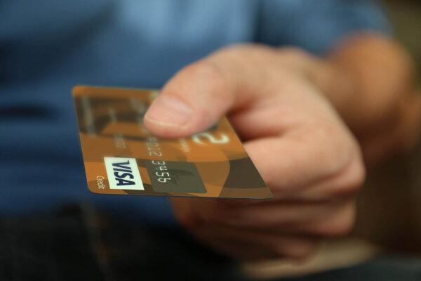 Tarjeta Crédito Mano